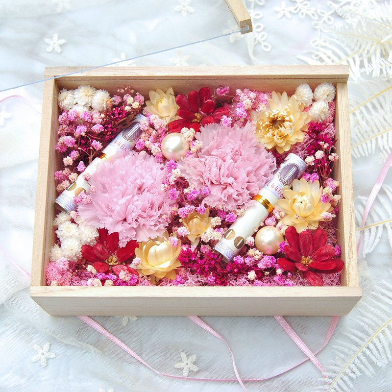 Mother's Day Handmade Flower Ceremony - Red Flower Box, Everlasting Carnation, Dry Flower Experience, Bamboo North (one person starts)