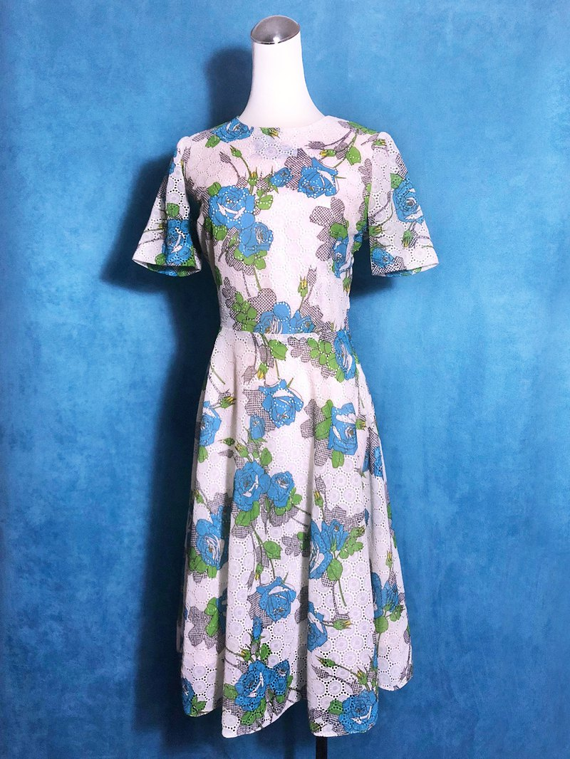 Blue rose embroidered light antique dress / abroad brought back VINTAGE