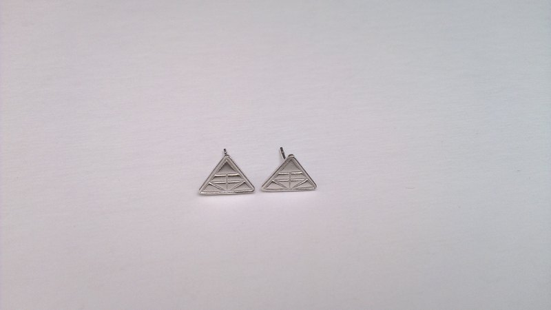 Little gold earrings (single) Silver handmade Dai Le Studio d'EL / by the service life of metalworking