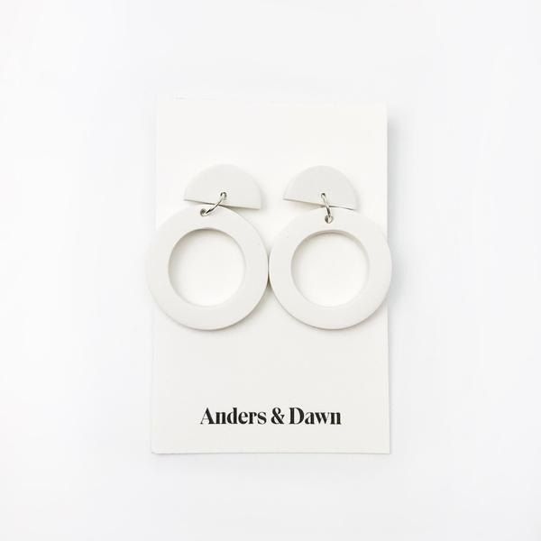 CIRCLE DROP EARRINGS - WHITE