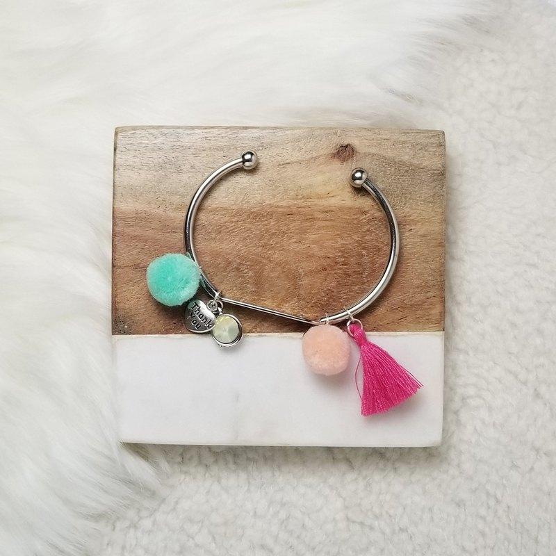 Little pom pom with fringe and metal pendant silver bracelet (Turquoise/Pink)