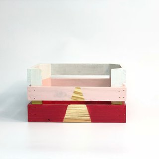 Wooden box (gradient red)