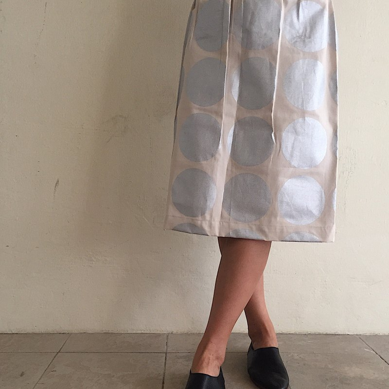 Silver Circles Versatile Everyday Midi Skirt