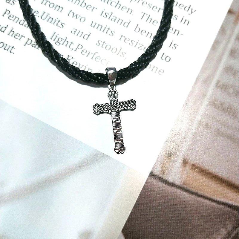 Eli JewelryPt950鉑金幾何雕刻十字架鉑金墜頭純銀扣頭頸繩項鍊