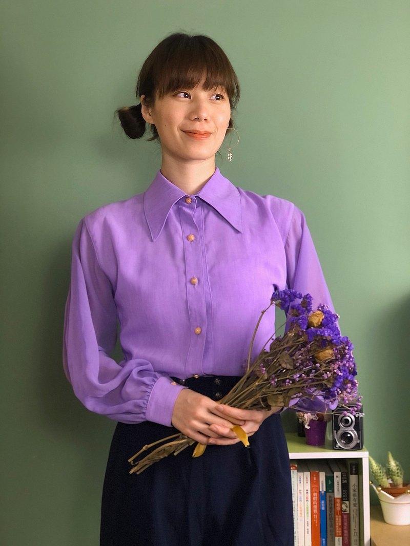 紫衣金邊釦襯衫