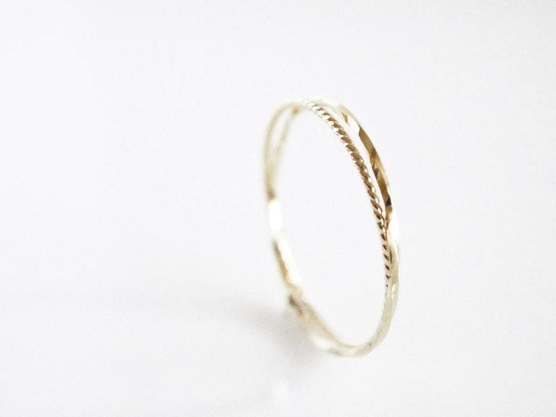 K10 Double Twist Ring