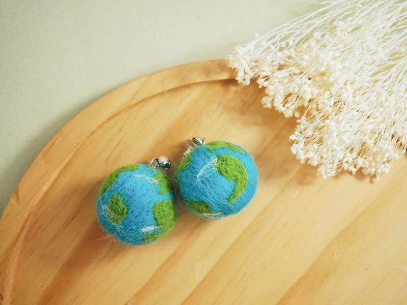 Earth wool felt earrings