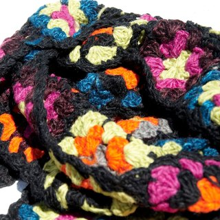 Limited amount of hand-woven hooks wool scarves / flowers hook woven scarves / hook woven scarves / hand-woven scarves / flowers woven stitching wool scarves - black fashion forest wind flowers scarves