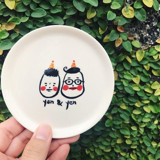 [Customized] hand-made porcelain dishes, animals and character drawing (a porcelain plate, two avatars)
