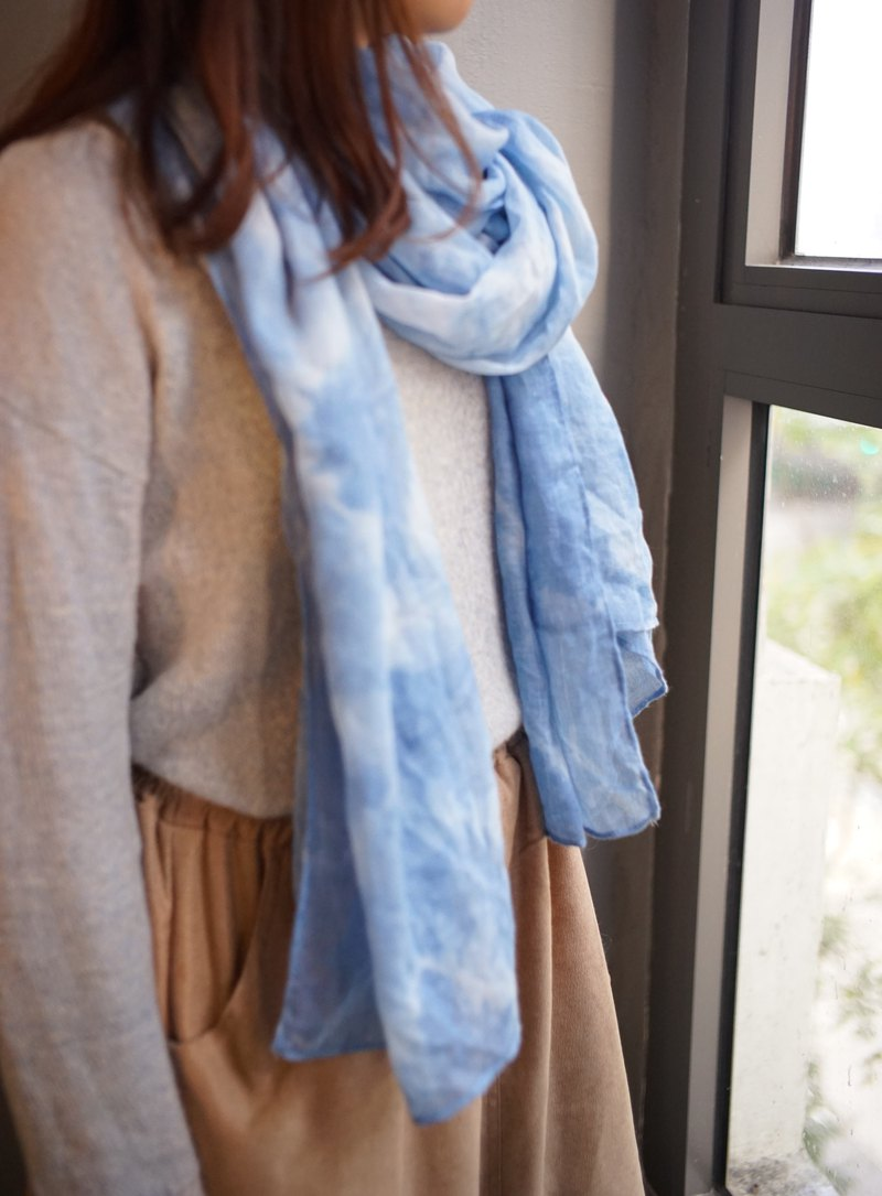 Blue dyed cotton and linen scarf. Shawl | Clear sky
