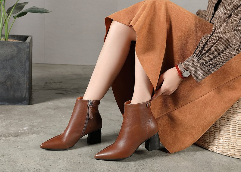 Pointy lady elegant leather handmade booties wild leather autumn and winter booties