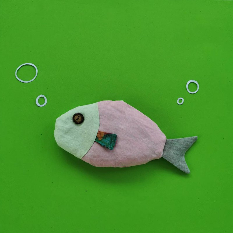 magFish is laundry product without chemical - Light green and pink color