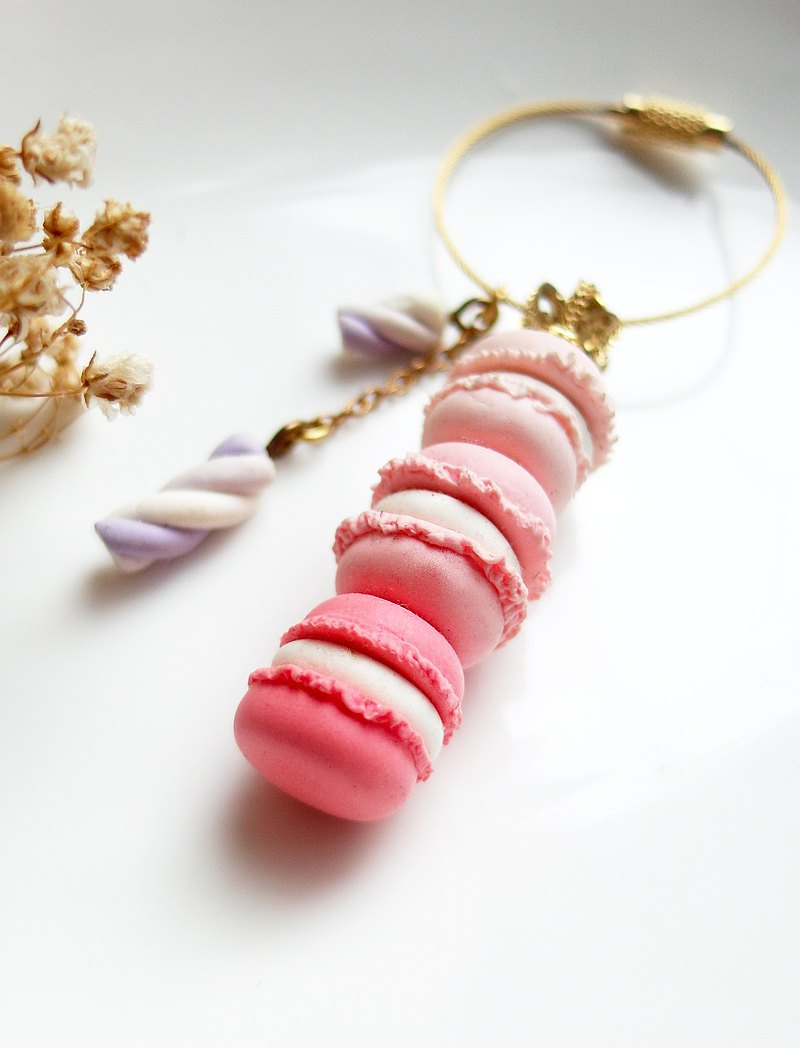 *Welfare products / display items*Stacked macaron marshmallow key ring bag ornaments Japanese clay