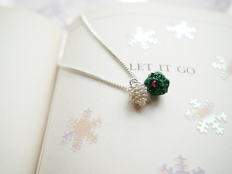 Simple round wonderful hand-woven emerald green copper ball with pine cones silver pendant necklace sub-MP053