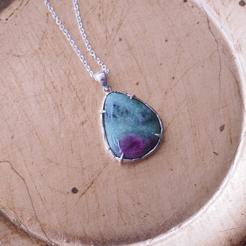 Zoisite handmade Silvernecklace
