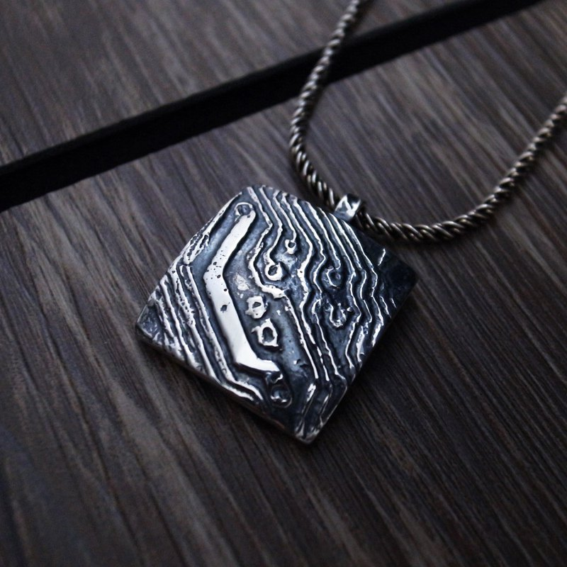 [Matrix sterling silver pendant / big pendant] circuit diagram / square / geometric pattern (without chain)