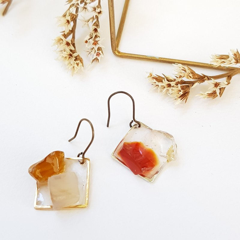 Natural stone platter earrings / natural stone / agate / crystal
