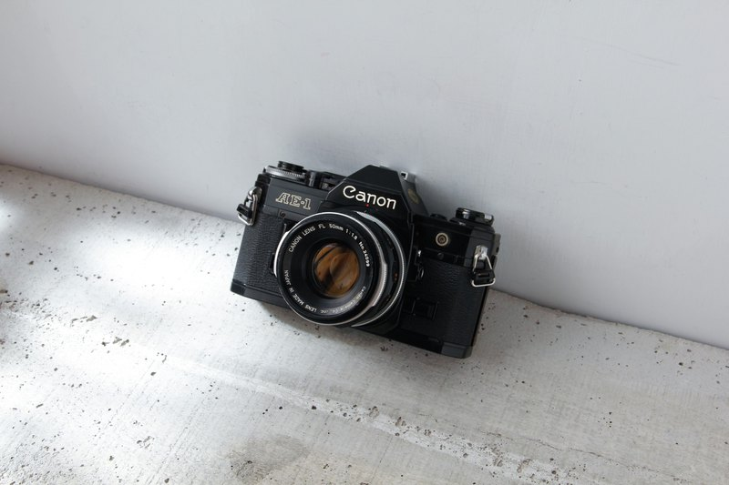 Canon AE-1 Body +  FL 50mm f/1.8 MF SLR 黑機 單眼 底片 相機