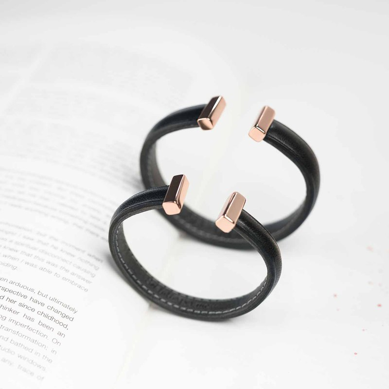 Crudo Leather - Momento 925 Silver Bangle - Jet Black (Personalised)