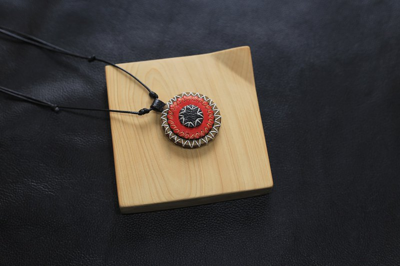 Round Pendant | double side | leather all hand sewing