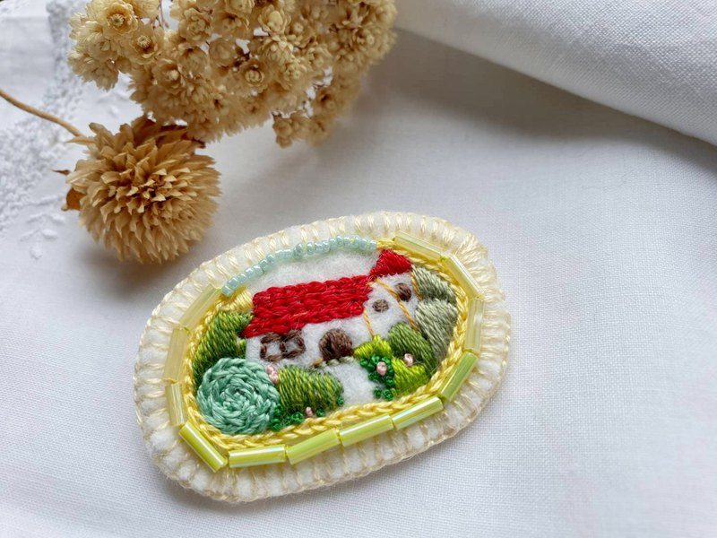 Embroidery Brooch/Sweet home