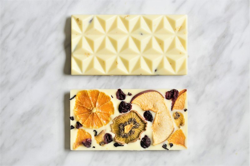 White fairy tale - integrated dried fruit white chocolate brick