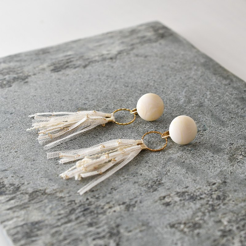 Marble Dome Tassel Earrings /Beige