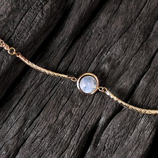 Light track __ natural ore bracelet top white moonstone 24K gold pure copper fittings noble restrained bracelet