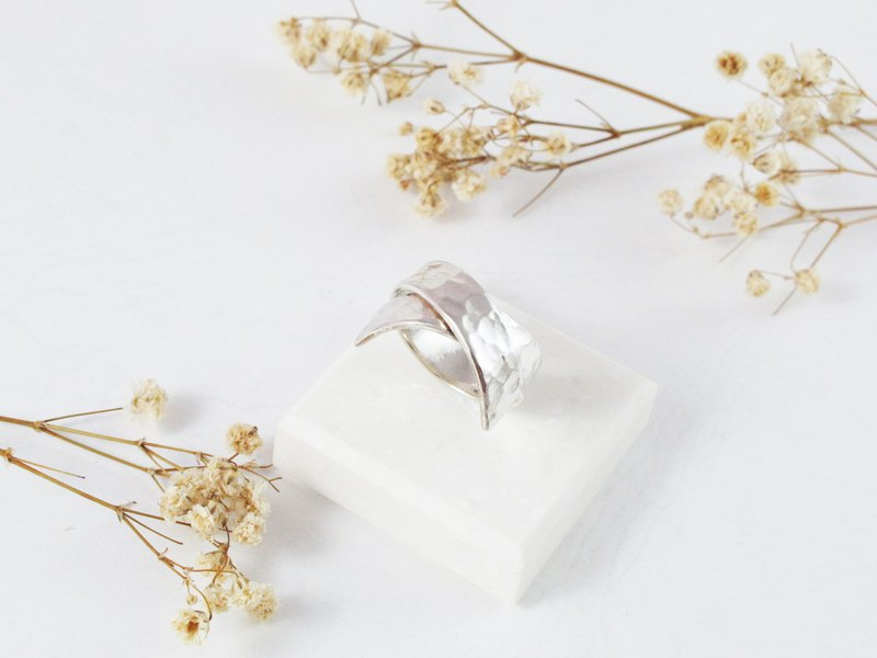 Model Series Ssangyong Sterling Silver Ring - Inlove