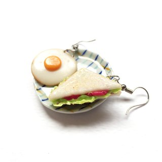 sandwich+egg earring n
