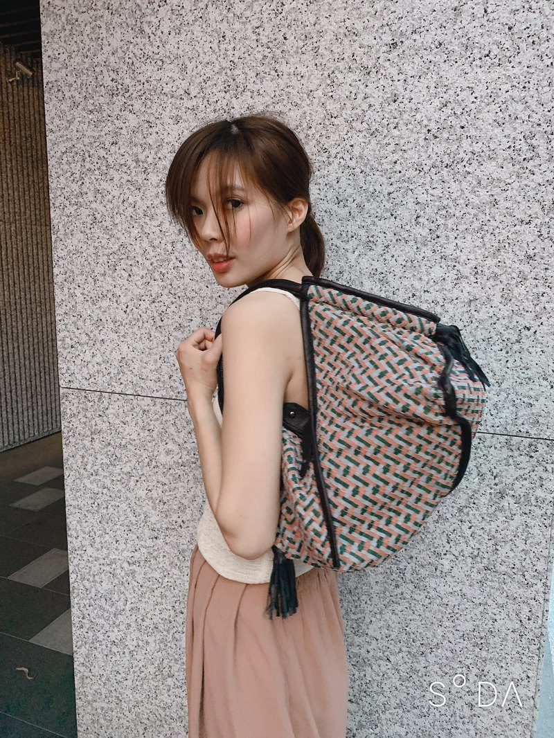 LA04 double zipper design woven bag full suede P2032