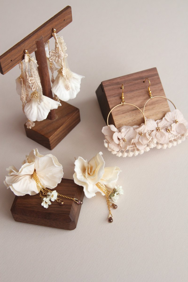 Floral Earrings , Flower Earrings , Artificial Flower Earrings ,Jewellery