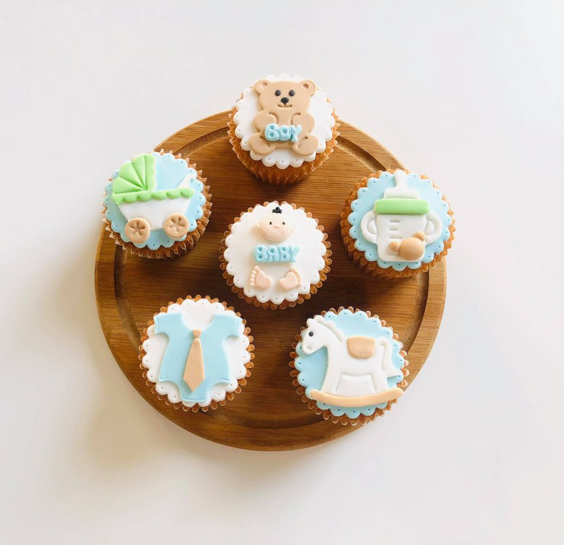 Hand made cute baby series fondant cup cake