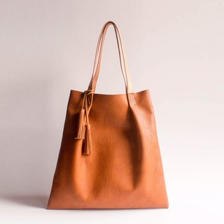 HUANGS 艸一人 European Leather Handmade Pleat Tote Bag with Tassel
