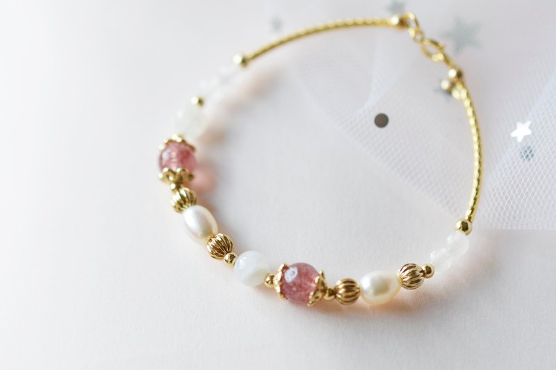 Soft Girl。Strawberry Quartz Moonstone Rose Quartz Pearl Natural Stone Bracelet