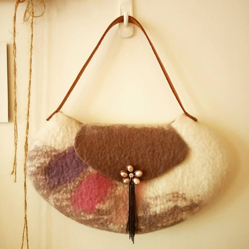Pearl flower wool bag - hand holding evening bag