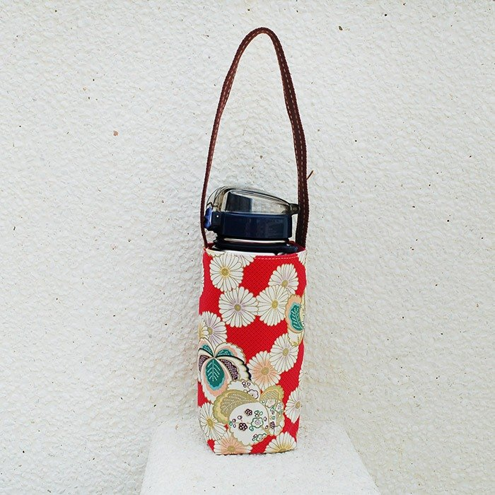 Japanese style chrysanthemum water bottle bag