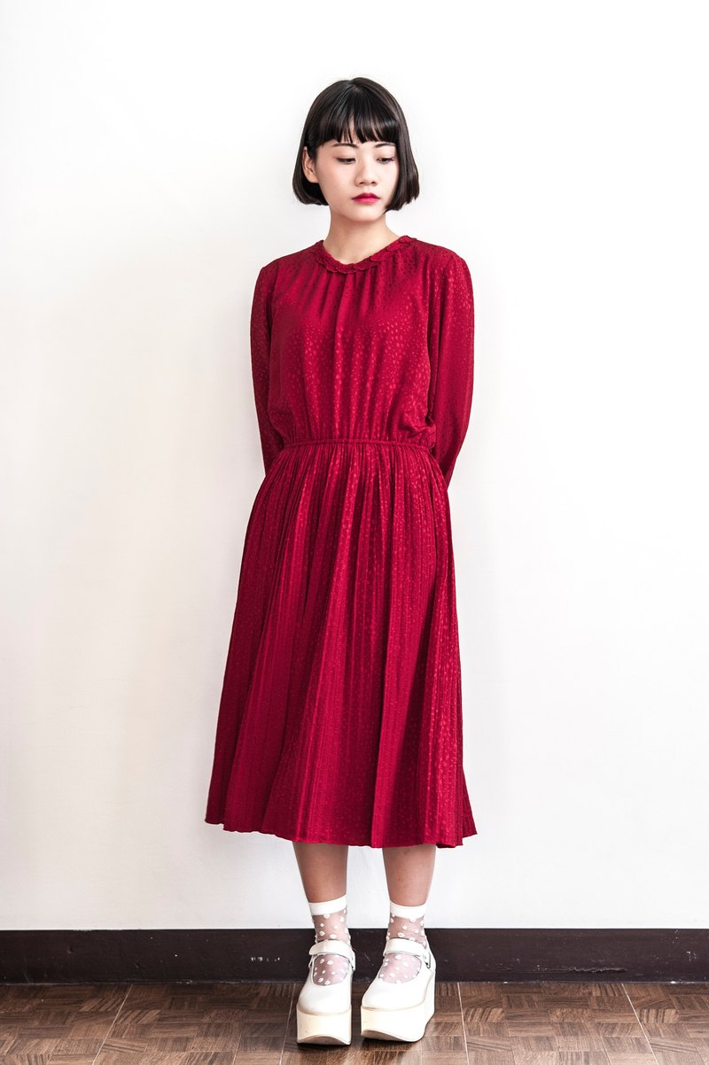 Vintage leaf collar red long-sleeved ancient dress