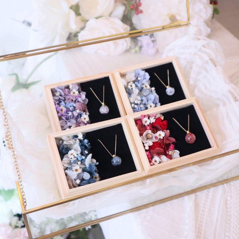 Dry Flower / Hydrangea Necklace Gift Box Wooden Box / Gift / Birthday Gift / Mother's Day