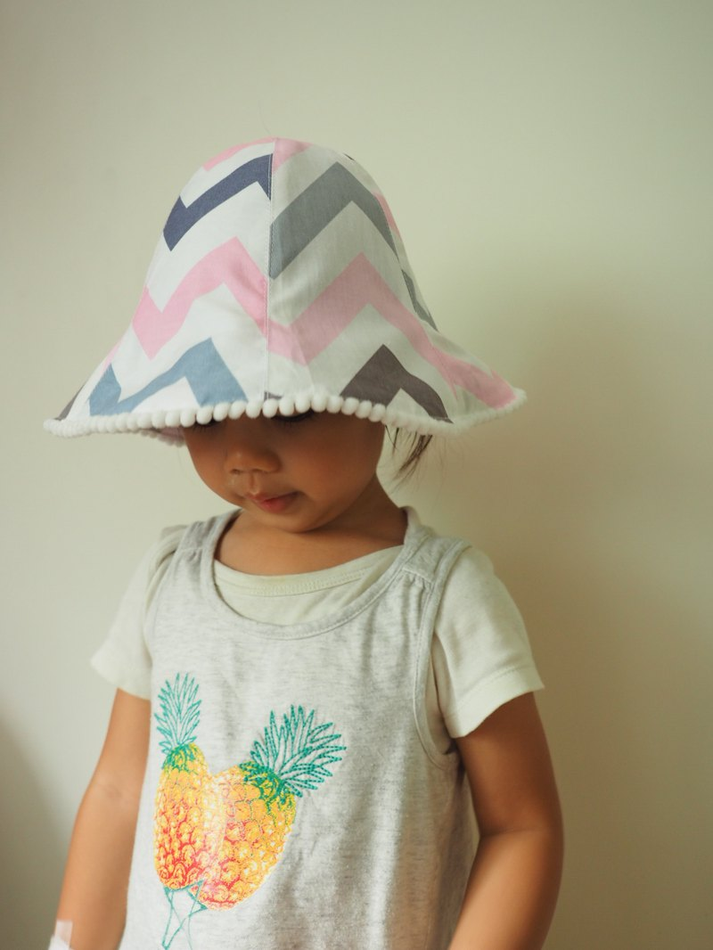 Handmade reversible sun protection hat