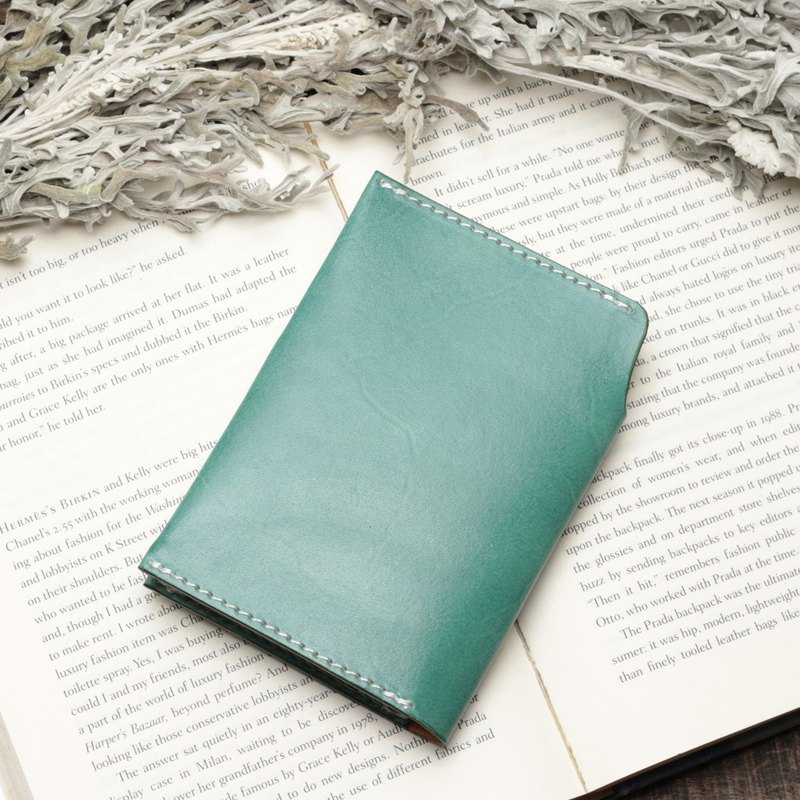 Retro marine blue hand-dyed vegetable-tanned cow leather handmade passport holder