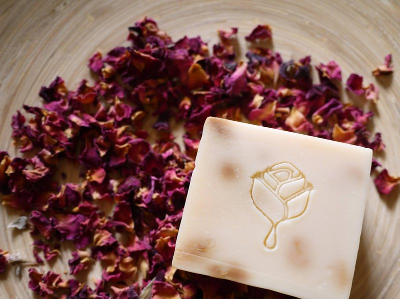 Royal bee king milk rose handmade soap