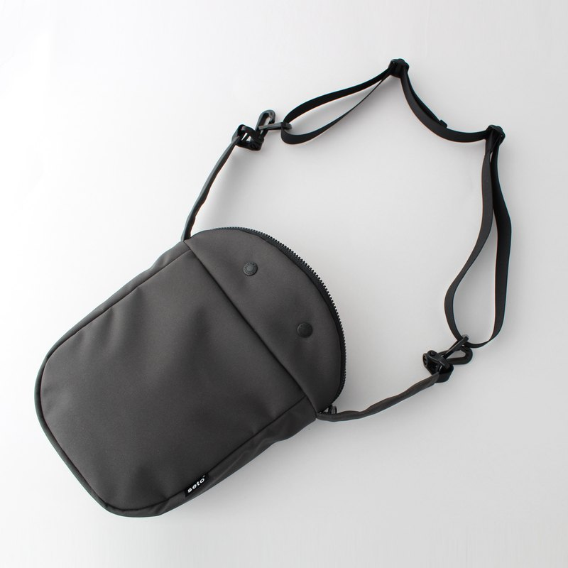 The creature bag Thick Large Taiko-sagari Charcoal gray