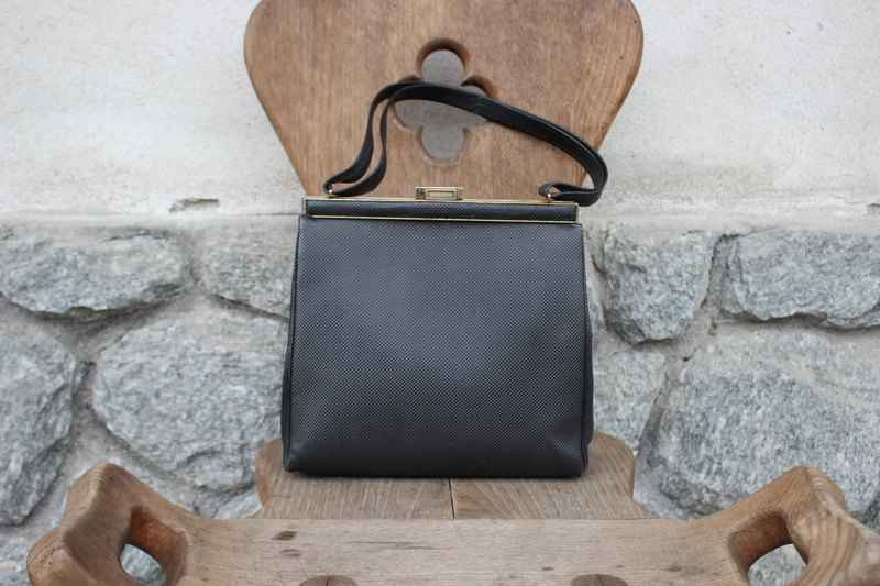 (Italy) (Vintage purses) E. COLOMBERO brand dark blue elegant hand bag (delicate suede lining) B190 (birthday gift Valentine's Day gift)