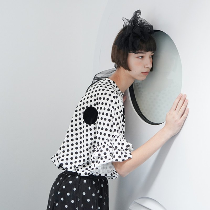 Black dot white sleeve top - imakokoni