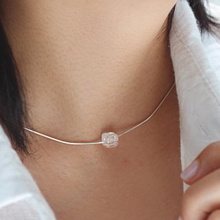 Ice grain. Minimalist natural stone sterling silver clavicle chain cube ice crack white crystal gray moonlight tail chain