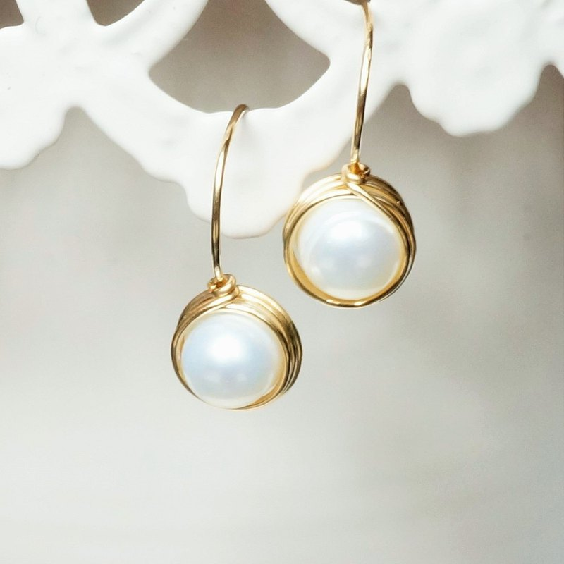 American 14k gold-plated baroque natural pearl earrings