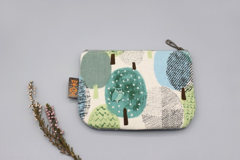 Peaceful little bag - little owl in the green forest, double-sided two-color small wallet