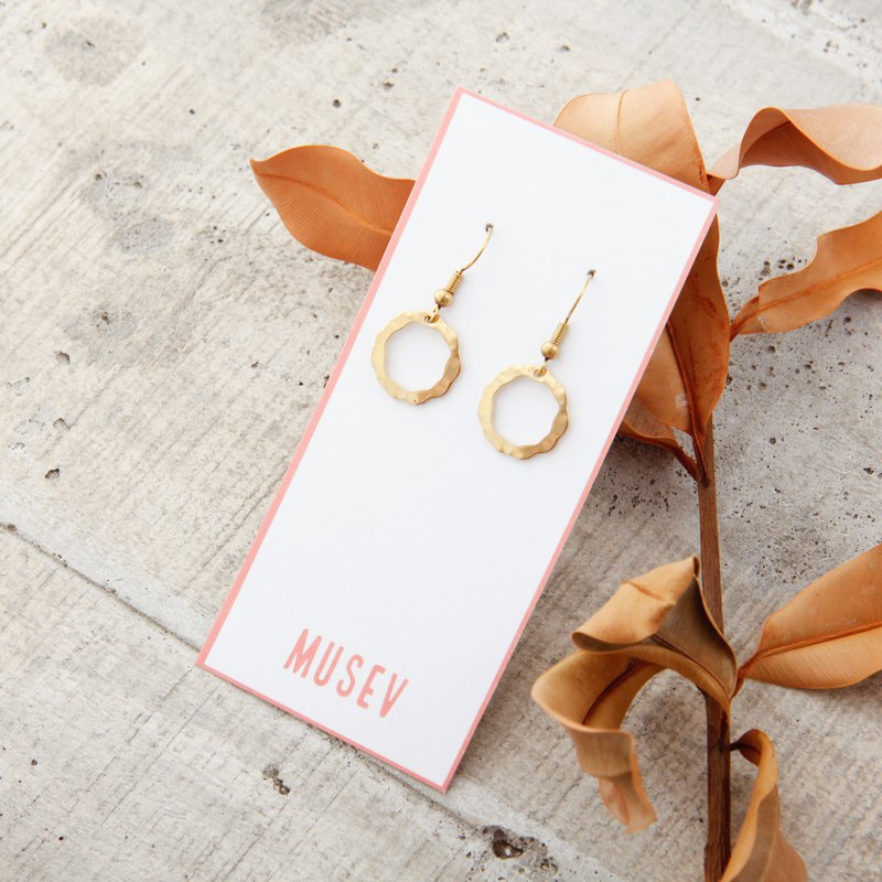[Small roll paper hand made / paper art / jewelry] basic models wild simple brass earrings - circle
