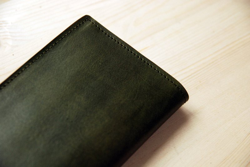 【Offer】 【Hand dyed series】 【Vegetable tanned leather long clip】 Dark green leather long clip